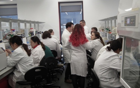 Students in the lab at Roslin Innovation Centre Research Hotel
